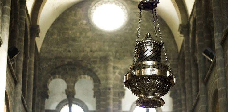 Qué es el Botafumeiro. El Incensario de la Catedral de Santiago de Compostela