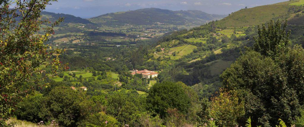 Panorámica valle de Valdedi 1024x428 Camino de Santiago